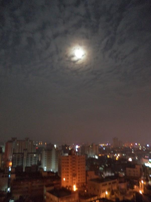 2013-06-24 Full Moon Over Samcheonpo
